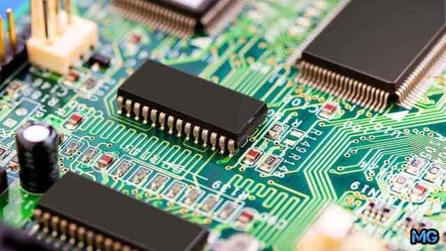 Роберт Нойс из Fairchild Semiconductor, построил интегрированную электронную микросхему, где компоненты были соединены друг с другом алюминиевыми линиями на окисленной поверхности кремния (silicon-oxide)
