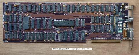 В 1981 году были выпущены первый чёрно-белый видеоадаптер (видеокарта) MDA и первый цветной видеоадаптер CGA.