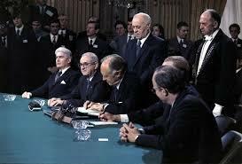 Tratado de Paris, EEUU se retira de Vietnam.