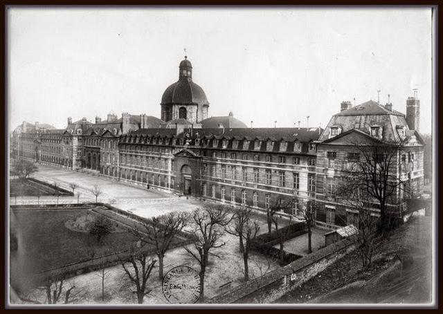 Freud obtiene una beca para estudiar en paris en el hospita de la Salpêtrière con Jean Charcot.