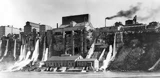 La primera central hidroelèctrica