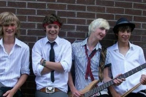 Creation of a band called: White Eskimo