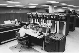 Desarrollo de aplicaciones (en los sistemas productivos de las organizaciones)de: computacion, automatizacion, ingenieria humana, teoria de los inventarios, porgramacion matematica, PERT/CPM, simulacion.