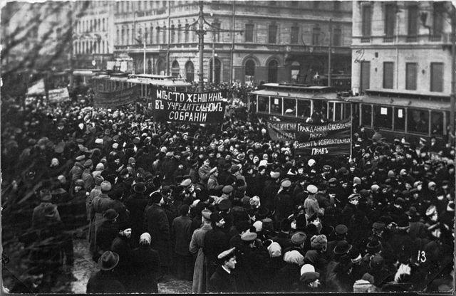 Veebruarirevolutsioon Petrogradis lõpptulemus