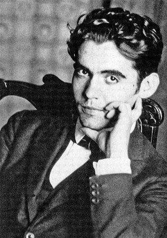 Mor afusellat de matinada Federico García Lorca a Granada.