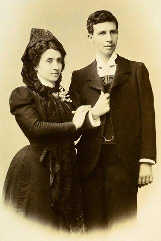 Primer casamiento entre dos mujeres