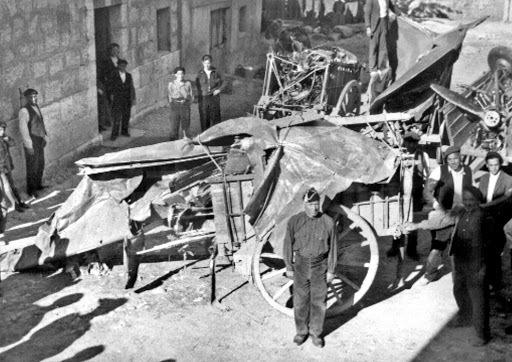 Emilio Mola mor en accident d'avió a a Castil de Peons (Burgos).