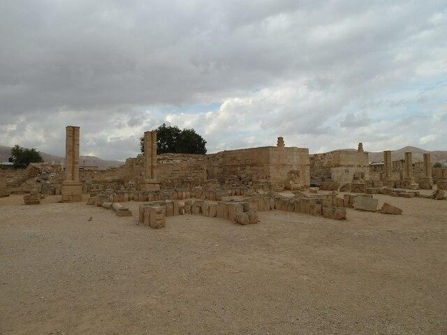 Palacio de Hirbet Al Mafjar. - Reinado de Hisham ibn Abd al-Malik.