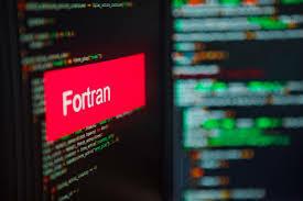 Nace el Lenguaje Fortran.