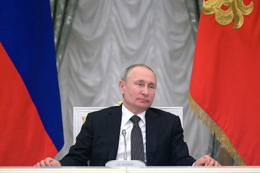 Rusia prohíbe el matrimonio homosexual ñ