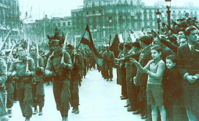 Les tropes nacionals prenen la ciutat de Santander.