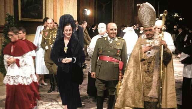 El Vaticà reconeix el Govern de Franco com l'únic legítim a Espanya.