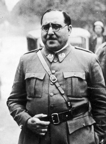 El general Aranda pren la ciutat de Castelló, a 67 quilòmetres de València.