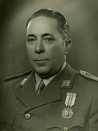 Delgado Serrano capitaneja les tropes nacionals en l'inici de la contra a la Batalla de l'Ebre.