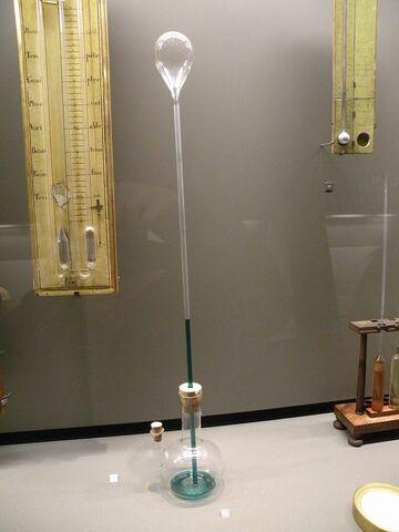 Galileu inventa o primeiro termoscópio