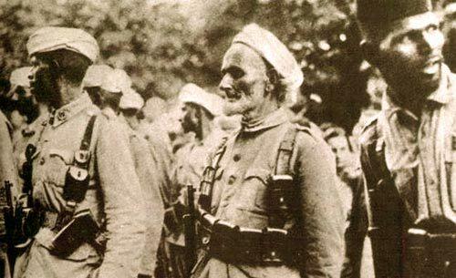 L'exèrcit marroquí, amb el general Yagüe a el front, entra a Barcelona sense trobar a penes resistència.