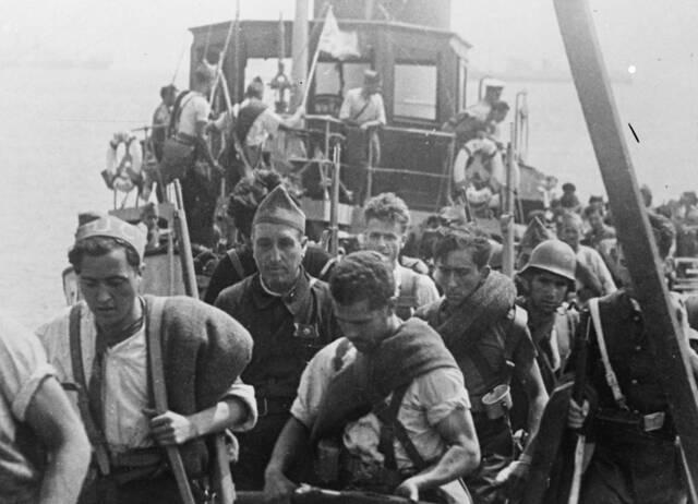Les tropes nacionals conquereixen Menorca.