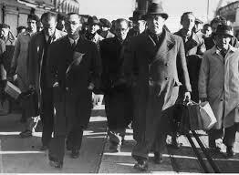 El Consell Nacional de Defensa presenta un document de pau negociada però Franco el rebutja.