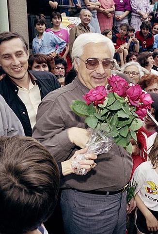 Andrej Lukanov proclama l'insurrezione generale e la nascita della Repubblica Bulgara