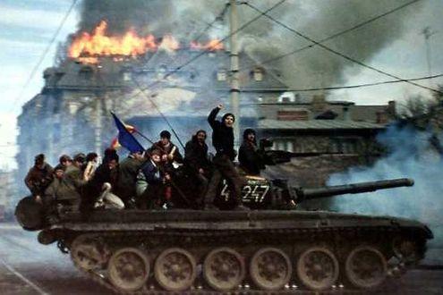 Le truppe della CdN entrano a Sofia, mentre Simeone II fugge a Burgas