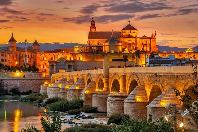 Nace en Córdoba