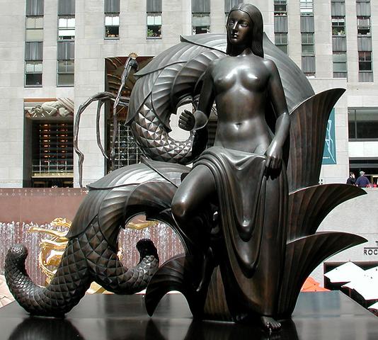 """La Doncella"" (Plaza del Rockefeller Center.) Paul Manship."