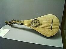 En el siglo XII sobre la guitarra