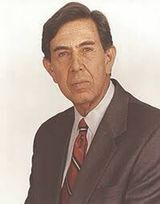 Cuauhtémoc Cárdenas sale del PRI