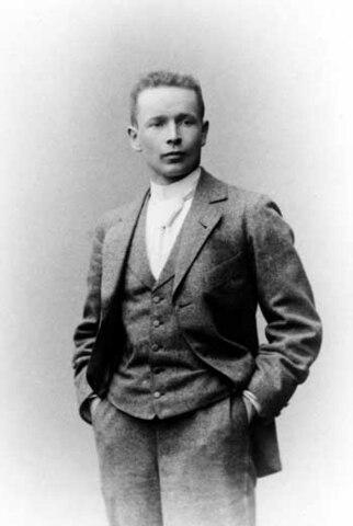 Eliel Saarinen. (1873-1950).