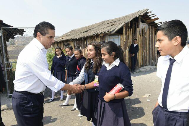 Se establece la obligación de los supervisores a visitar escuelas particulares.