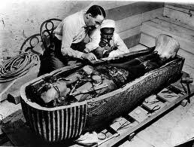 English Archeologists find King Tut's Tomb