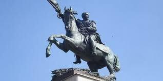 Se instaló un monumento al General Gerardo Barrios en el Parque Bolívar, hoy plaza Gerardo Barrios