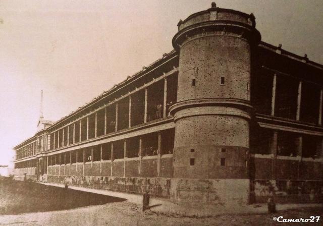 El edificio del Cuartel del Primer Regimiento de Infantería convertido en Mercado es consumido por un incendio.
