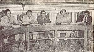 Una junta de militares y civiles destituye al presidente José María Lemus.