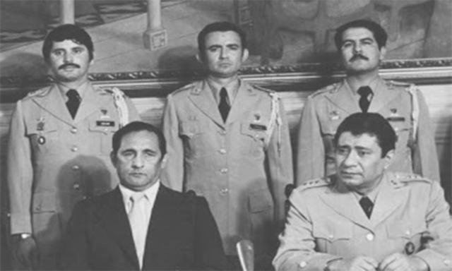 El Coronel Aníbal Portillo derroca a la Junta de Gobierno a través de un golpe de Estado y establece un Directorio Cívico Militar.
