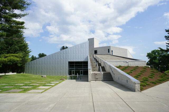 The Frances Young Tang Teaching Museum and Art Gallery. (Saratoga Springs, New York)