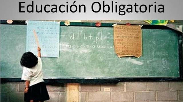 Establece la obligatoriedad de los dos niveles : preescolar y educación media superior.