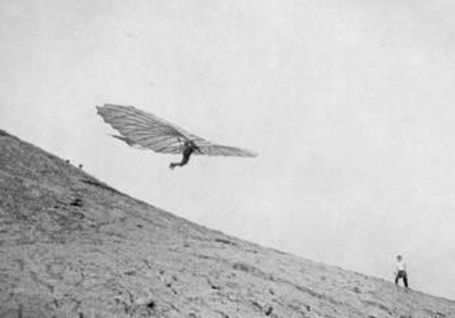 First successful manned aircraft in thw world invented