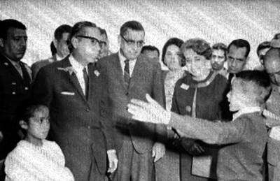 El presidente Díaz Ordaz y su secretario de educación Agustín Yáñez, se basaron en el Plan de Torres Bodet para orientar su política educativa.