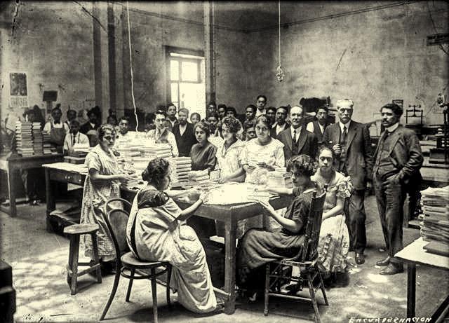 Escuela de artes y oficios para mujeres.