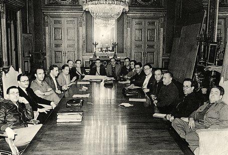 Creación del Comité Central de Milicias Antifascistas.