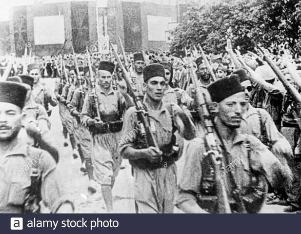 Las tropas de África entran a la península.