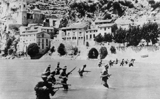 Exèrcit franquista entra a Mora d'Ebre
