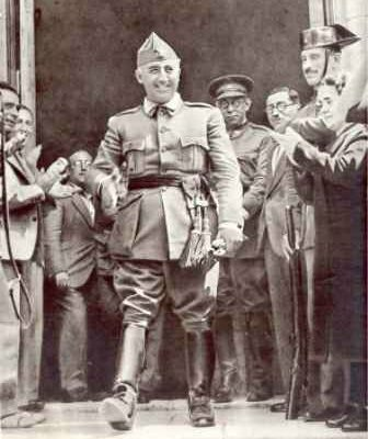 Franco vocal de la Junta de Defensa Nacional.