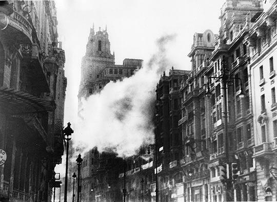 Primeros bombardeos a Madrid.