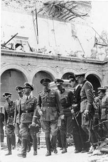 Franco ejerce de mando militar único.