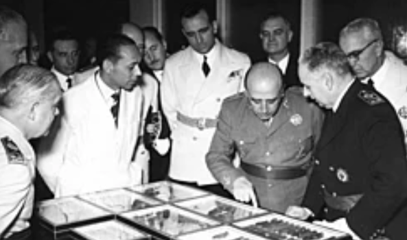 França i el Regne Unit reconeixen el govern del general Franco
