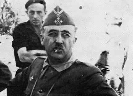 Franco reconegut oficialment per França i Gran Bretanya
