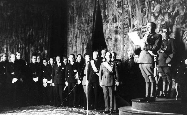 El gobierno de Franco se reconocido oficialmente por Francia y Gran Bretaña