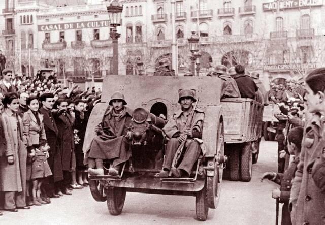 Nacionals entren a Barcelona